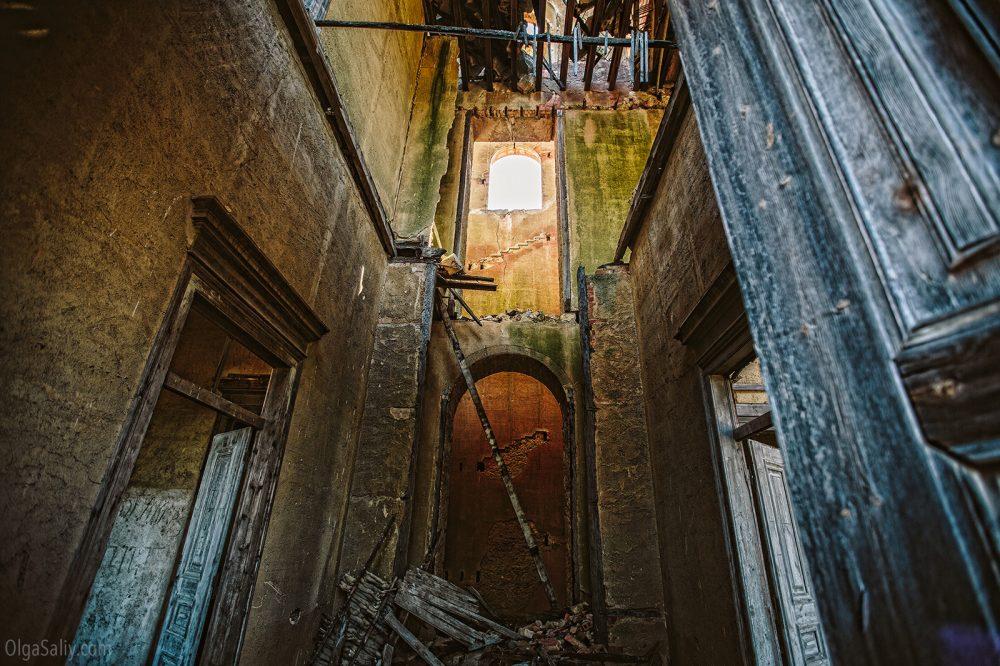 Abandoned castle, Portugal