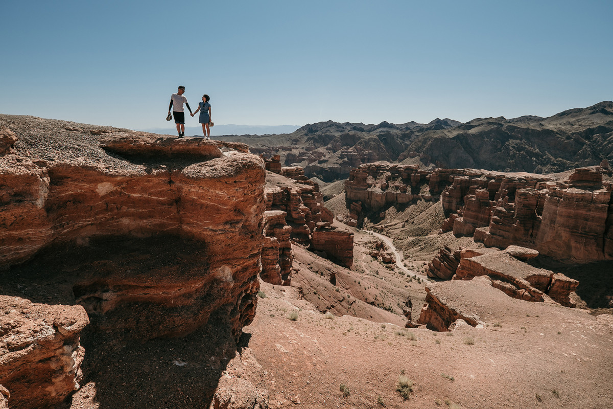 Prewedding trekking, Travelling in Kazakhstan, Charyn canyon