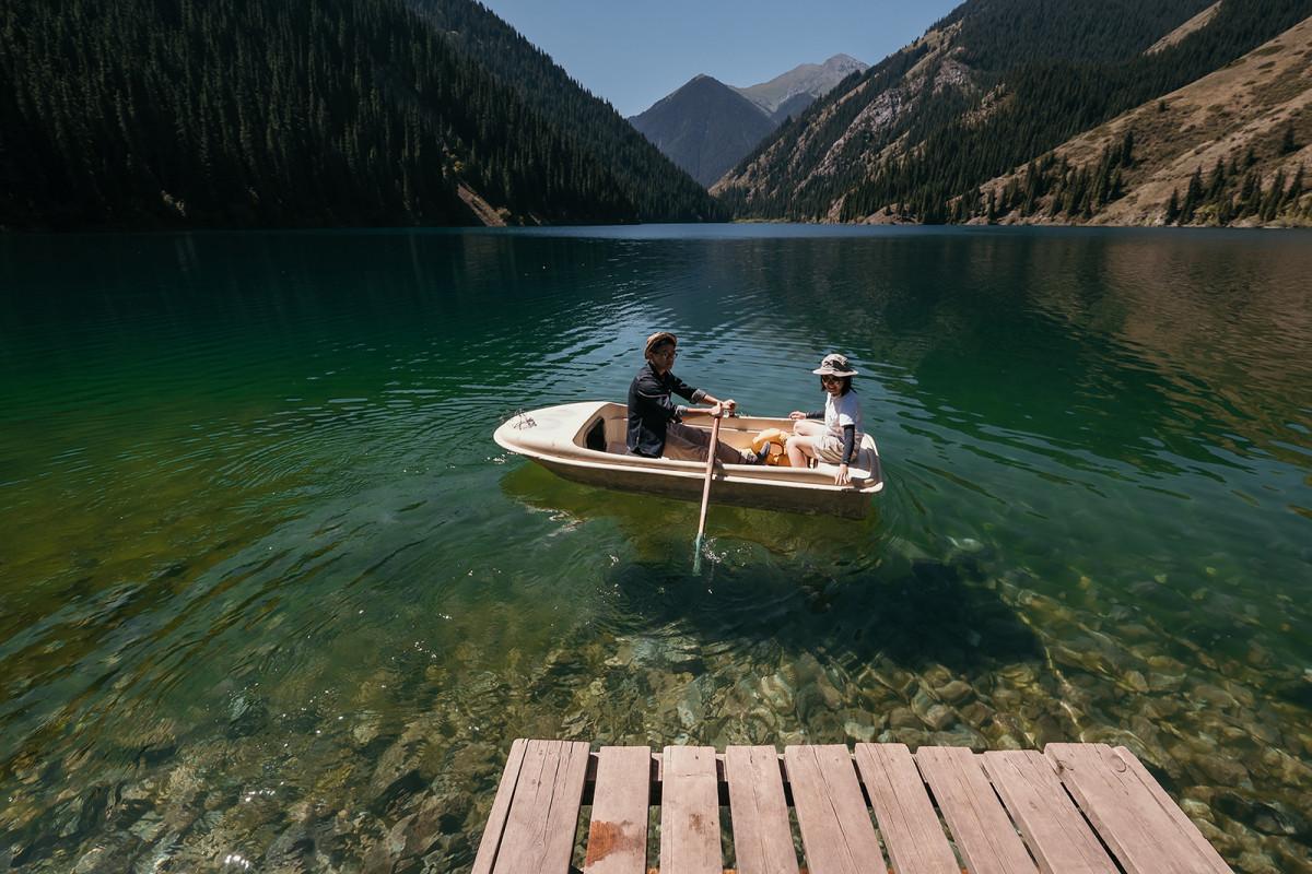 9 Prewedding trekking, Kazakhstan kolsay lake