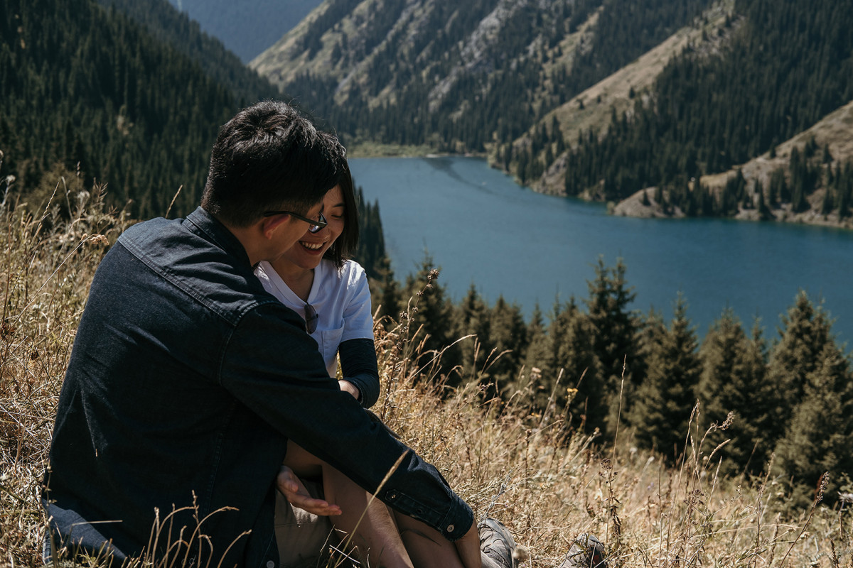 Prewedding trekking, Travelling in Kazakhstan, kolsay lake