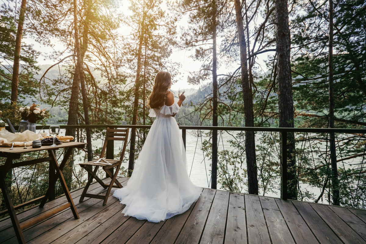 Altai photographer and guide for prewedding trekking